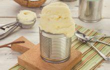 Sorvete de abacaxi com leite de coco