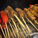 Espetinhos de carne vegetal